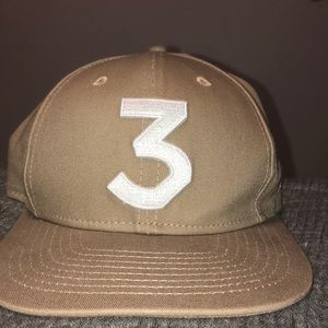 """Chance the Rapper """"3"""" Snapback hat (Tan/White/Red)"""